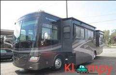 2007 Fleetwood Discovery Diesel 4 Slide Outs 39L - Image 3/12