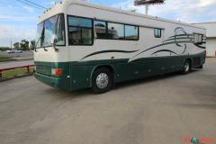 1998 Country Coach Intrigue 40 Class A