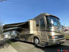 2004 Country Coach Class A Magna Motorhome 42FT