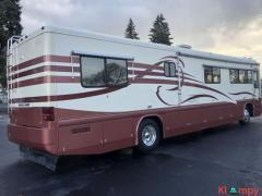 1998 Country Coach Intrigue 40FT Wisteria