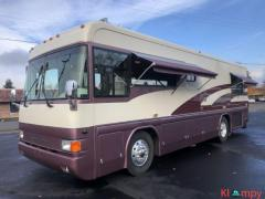 1997 Country Coach Intrigue 32FT Class A