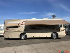 2002 Country Coach Allure 32