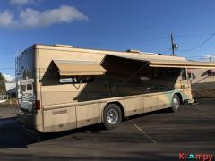 2002 Country Coach Intrigue 32FT Motorhome