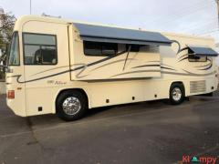 2001 Country Coach Allure 32FT Class A