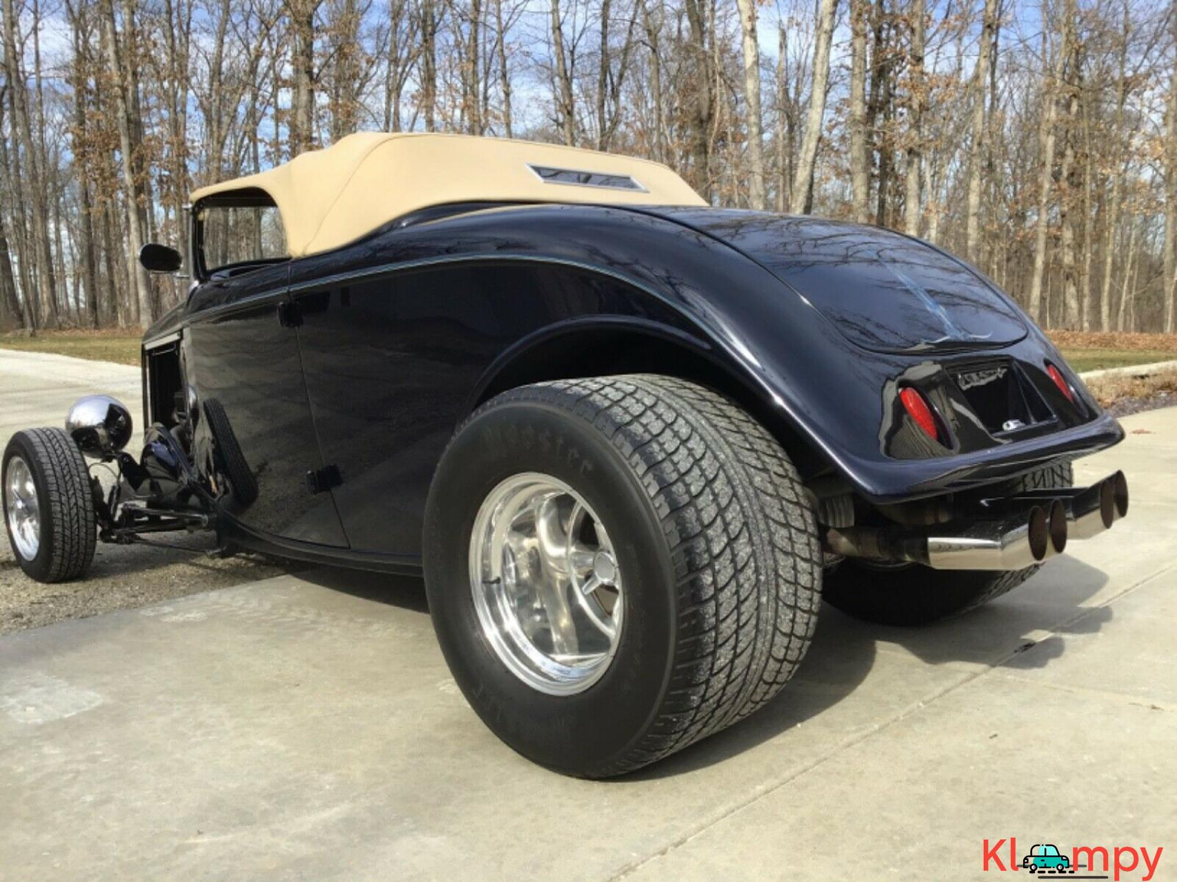 1933 Ford 40 Roadster Hot Rod - 8/20