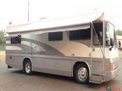 1996 Country Coach Intrigue 32FT