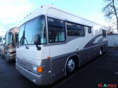 1996 Country Coach Intrigue 32FT Class A