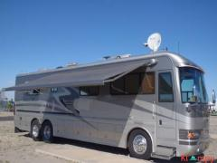 2002 Country Coach Magna 40FT Interlude