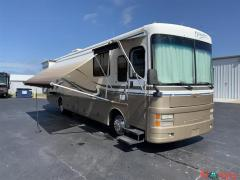 2000 Fleetwood Discovery 36FT Class A