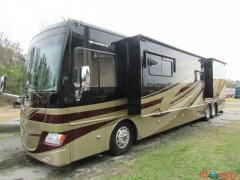 2013 Fleetwood Discovery 42A Class A