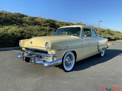 1953 Ford Customline Sedan Automatic