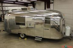 1968 Airstream Safari Vintage 22 Very Original Sleeping Capacity 3 Travel Trailer
