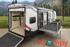2019 Cruiser Stryker 3212 Camper TRAVEL TRAILER TOY HAULER