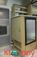 2013 Airstream Flying Cloud Bambi - Image 9/12