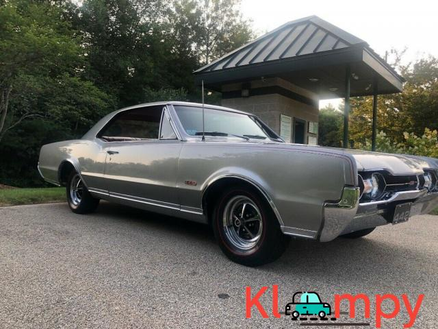 1967 Oldsmobile 442 Holiday Coupe - 2/12