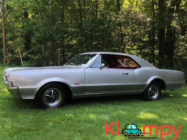 1967 Oldsmobile 442 Holiday Coupe - 3/12