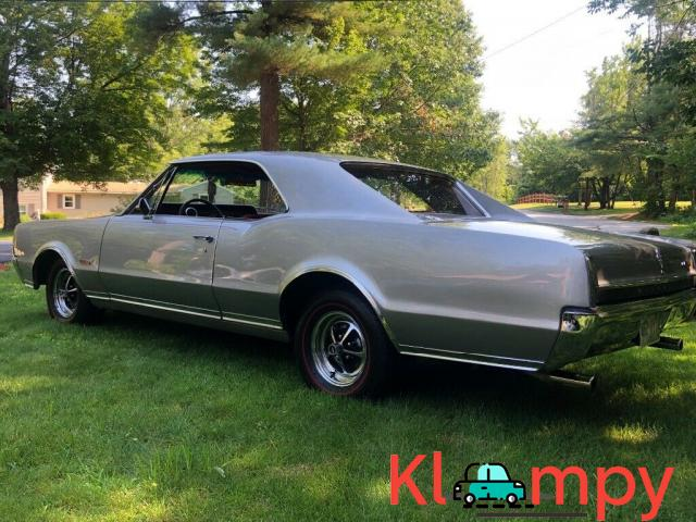 1967 Oldsmobile 442 Holiday Coupe - 4/12