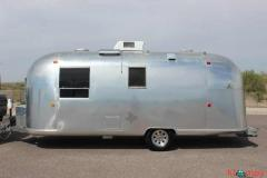 1968 Airstream Vintage Travel Trailer 4 Sleeping Capacity 22 Vintage
