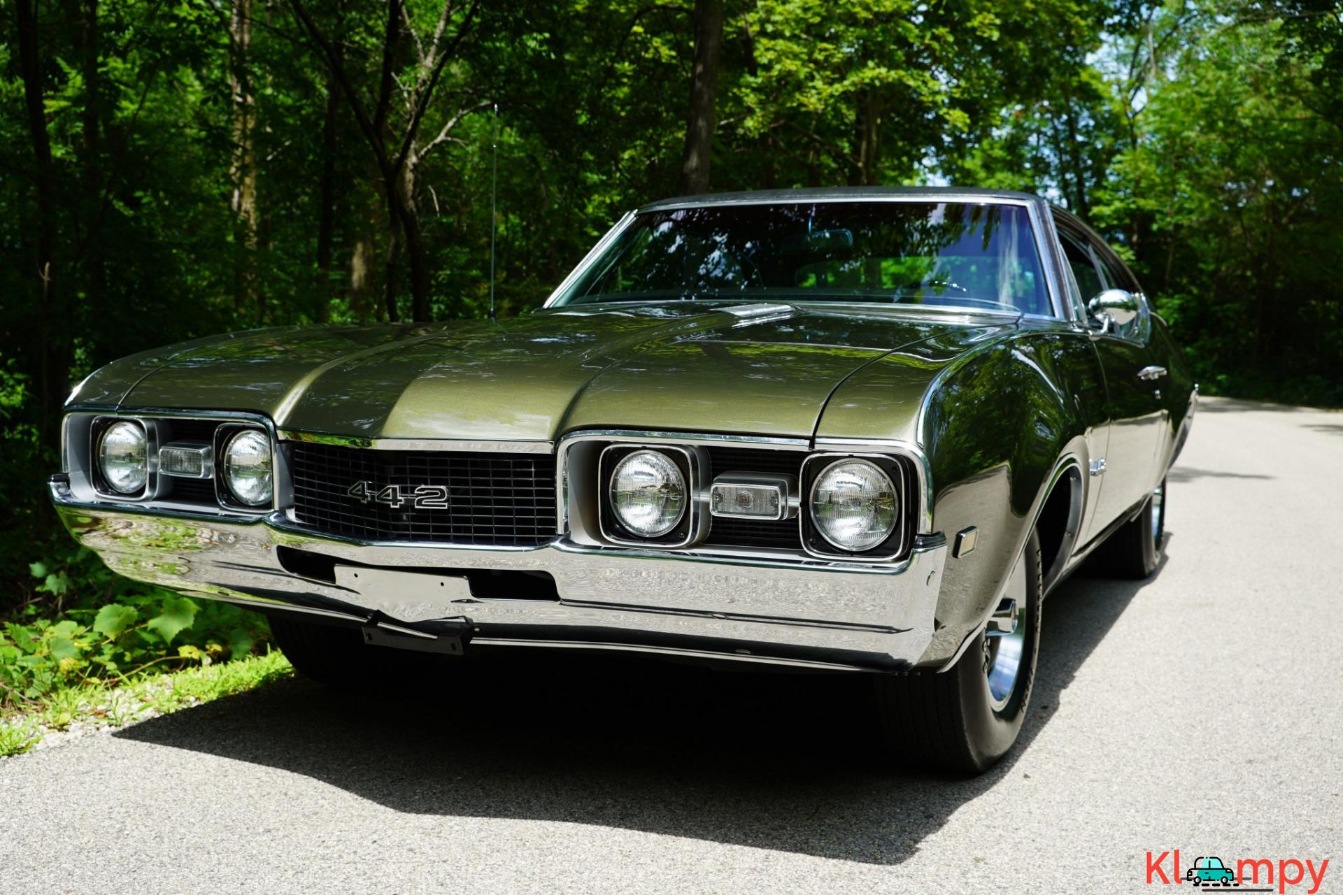 1968 Oldsmobile 442 Holiday Coupe Jade Gold - 1/28