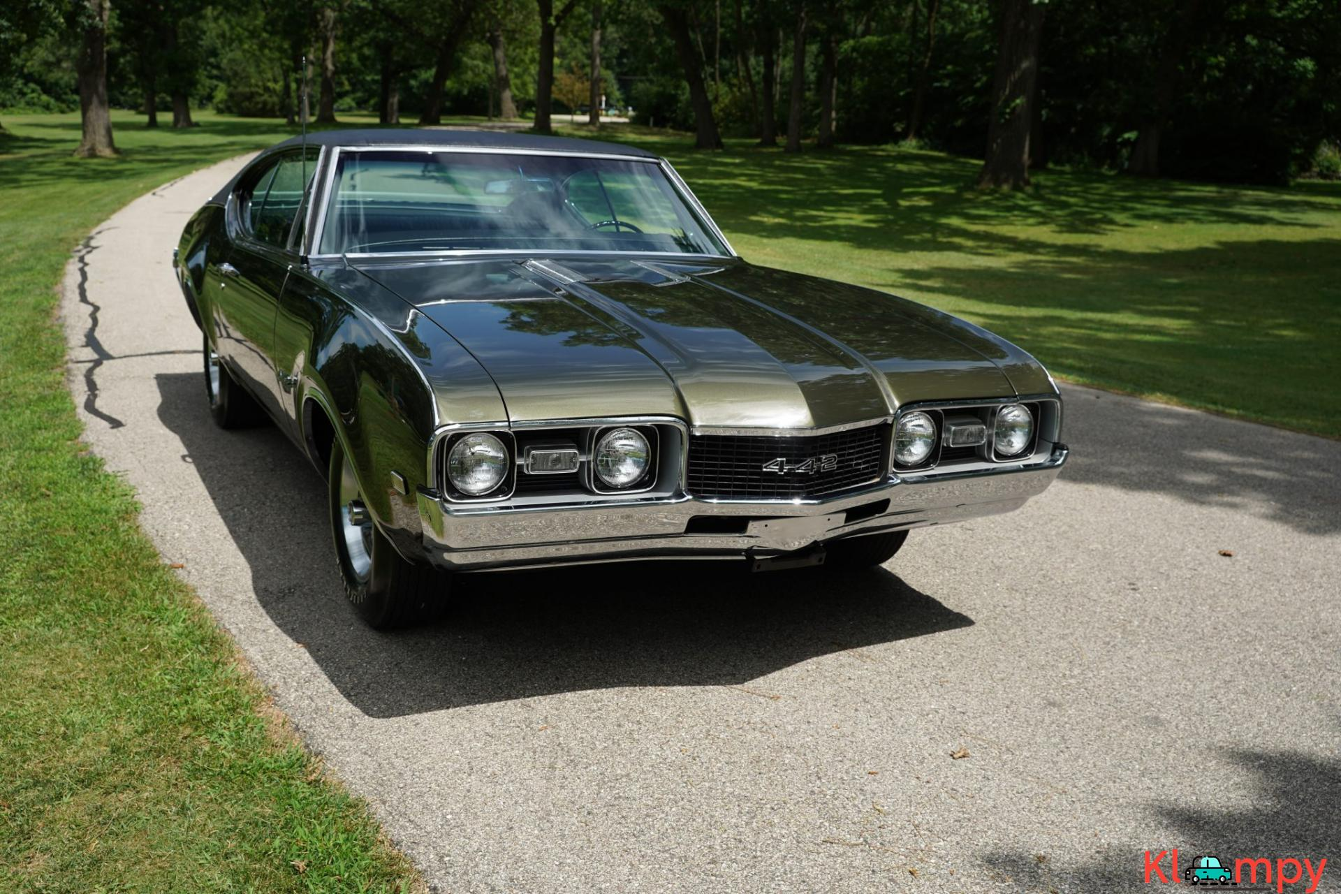 1968 Oldsmobile 442 Holiday Coupe Jade Gold - 2/28