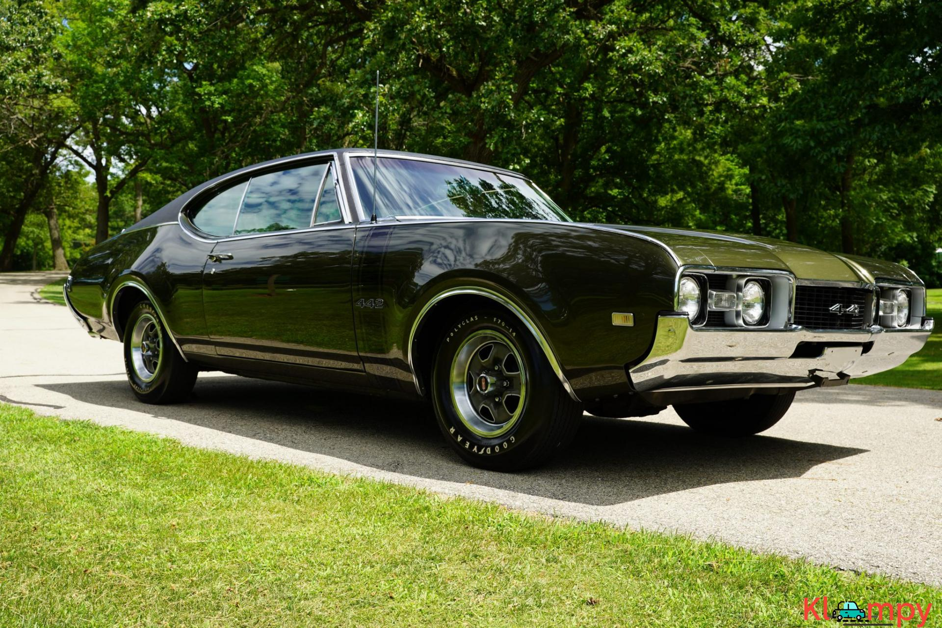 1968 Oldsmobile 442 Holiday Coupe Jade Gold - 3/28