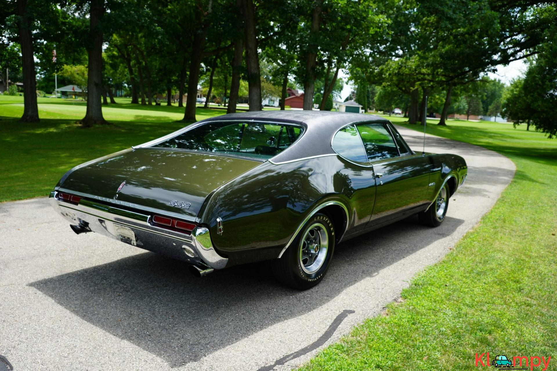 1968 Oldsmobile 442 Holiday Coupe Jade Gold - 5/28