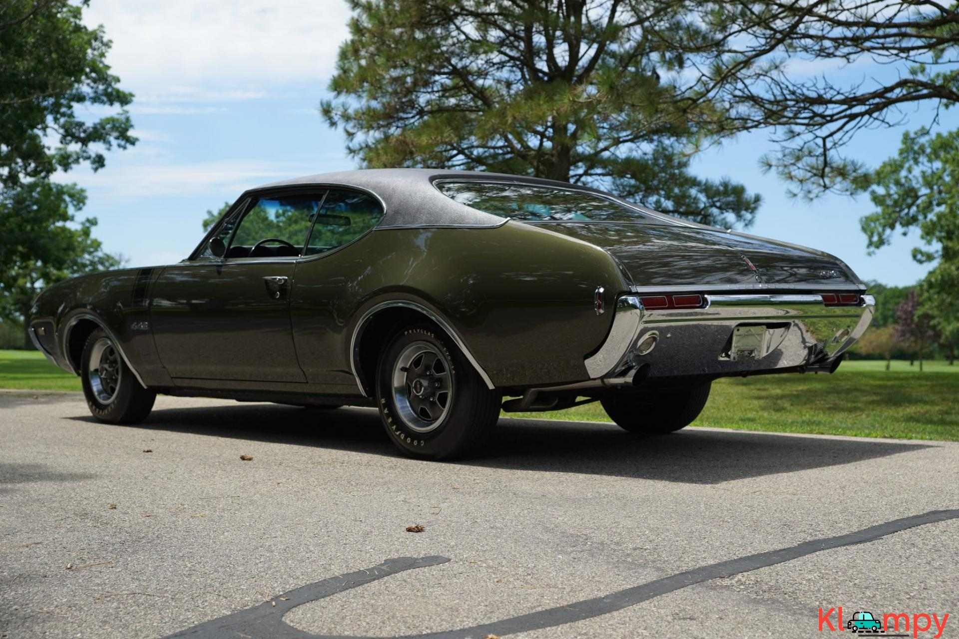 1968 Oldsmobile 442 Holiday Coupe Jade Gold - 7/28