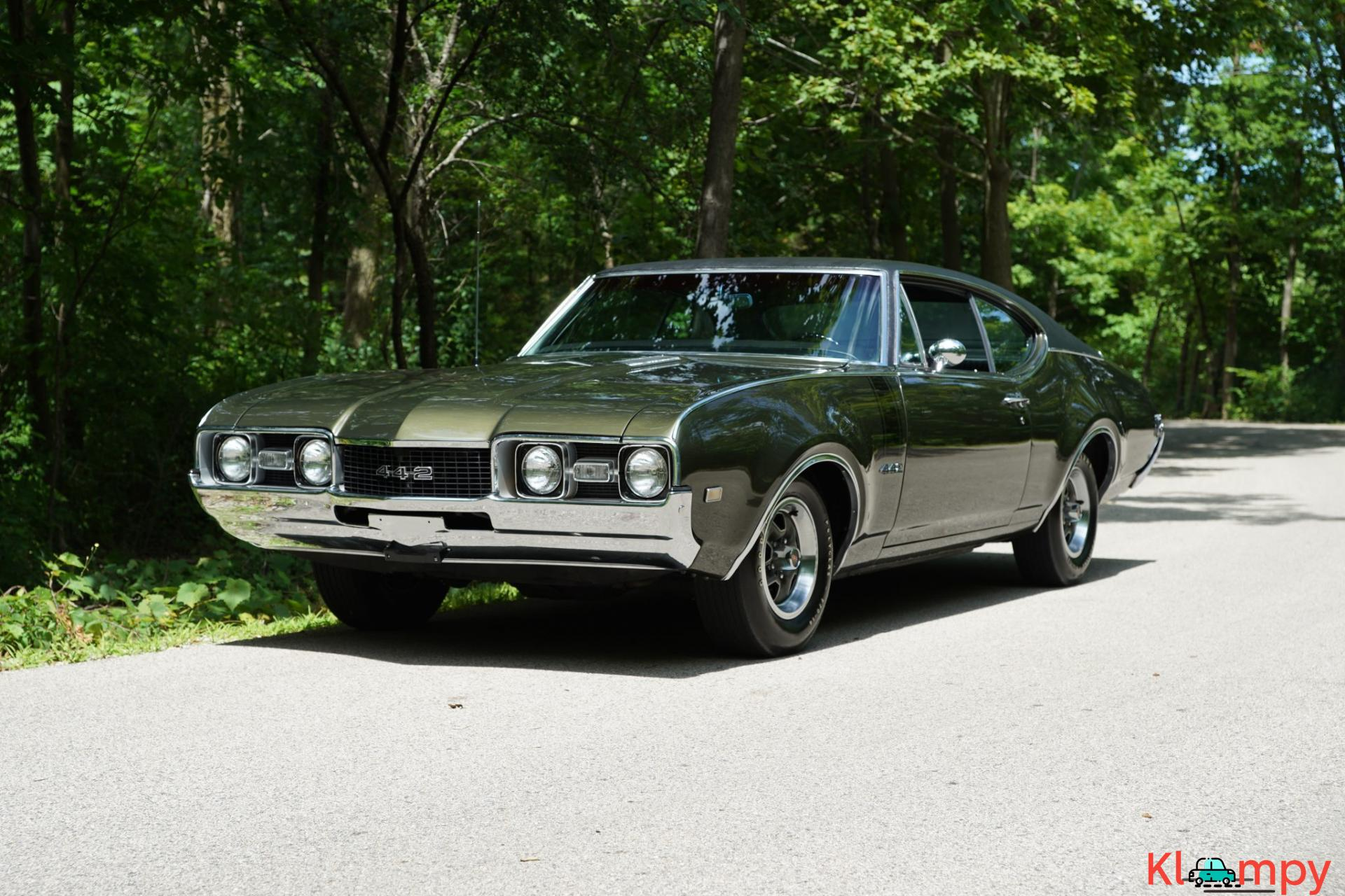 1968 Oldsmobile 442 Holiday Coupe Jade Gold - 9/28