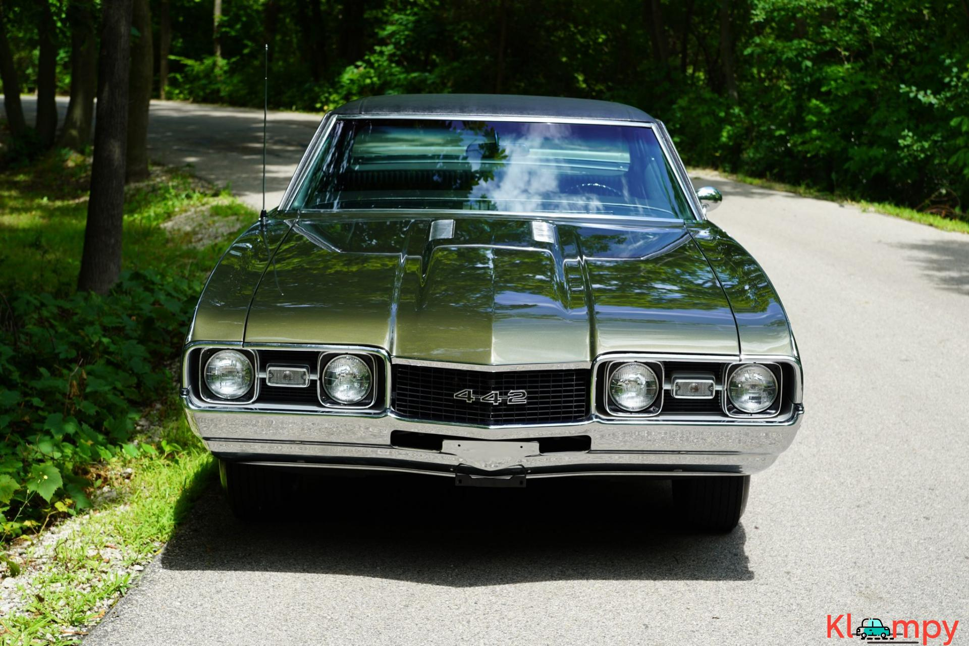 1968 Oldsmobile 442 Holiday Coupe Jade Gold - 10/28