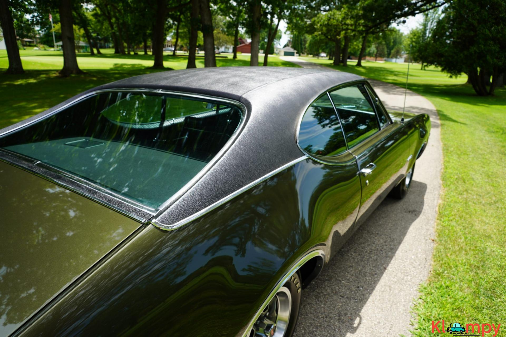 1968 Oldsmobile 442 Holiday Coupe Jade Gold - 12/28