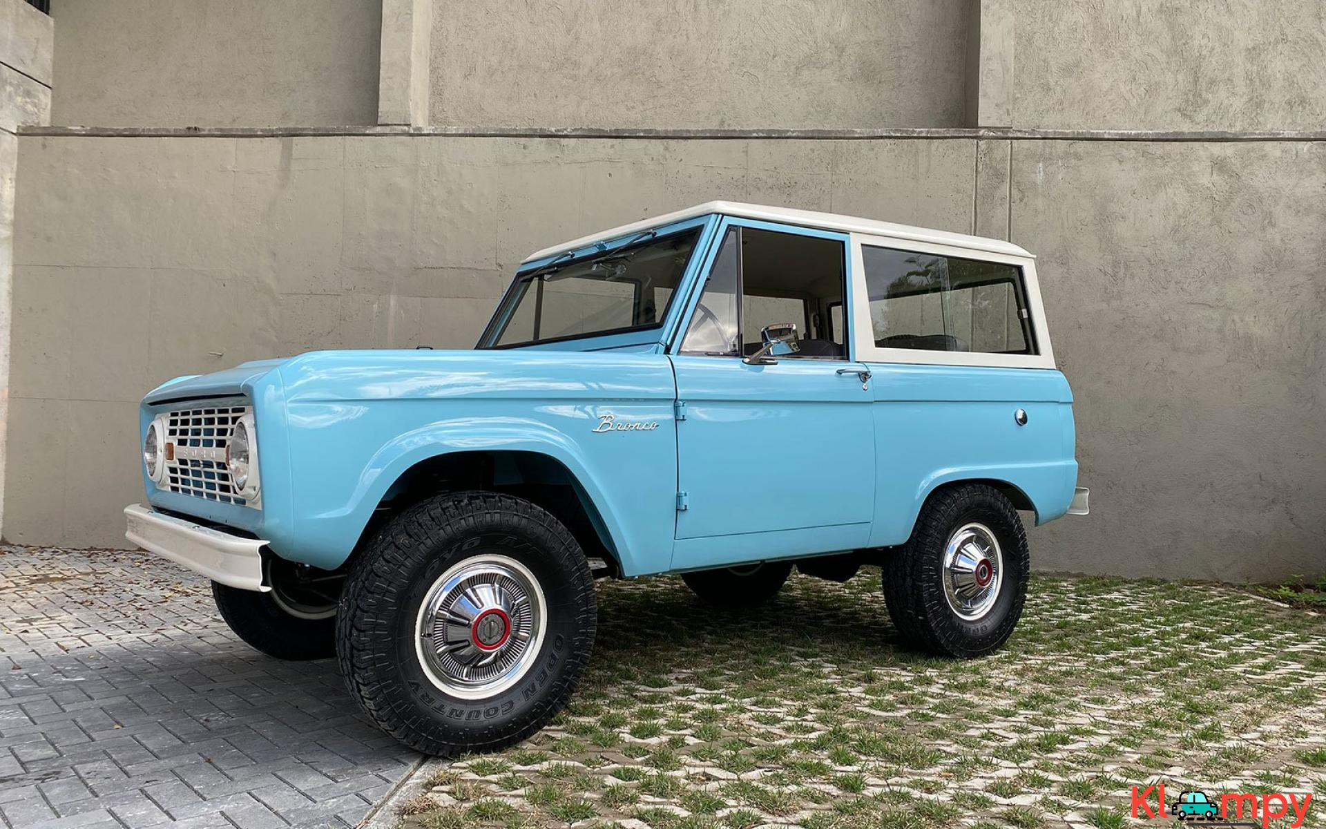1967 Ford Bronco 170 Inline-Six - 1/21