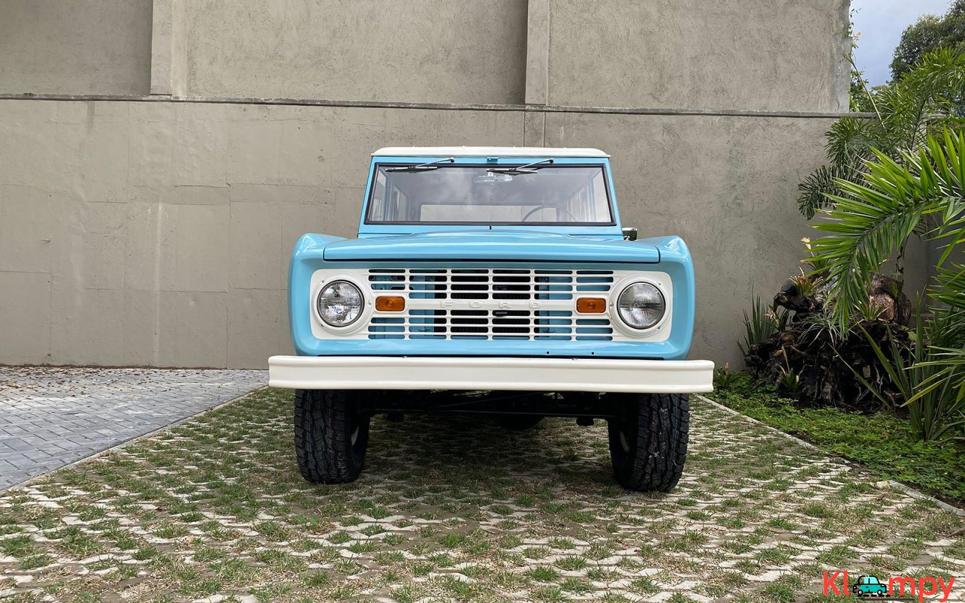 1967 Ford Bronco 170 Inline-Six - 3/21
