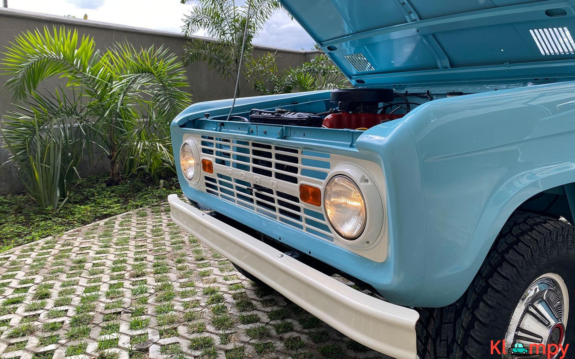 1967 Ford Bronco 170 Inline-Six - 10/21