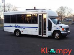 2006 Ford E-Series Van E-450 STARCRAFT DUALLY 15-PASSENGER BUS !