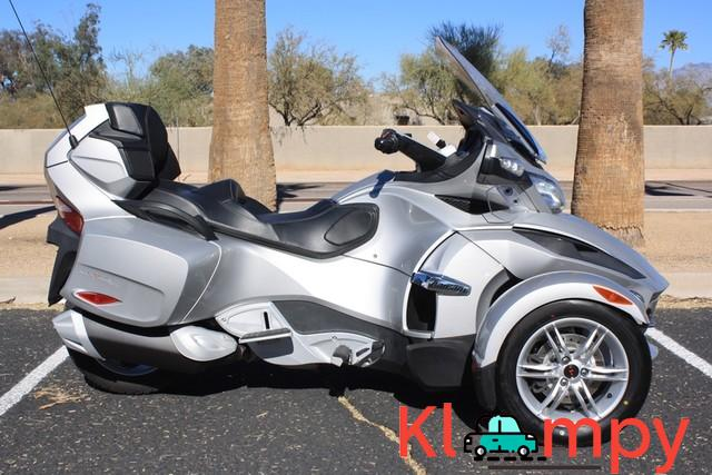 2010 Can-Am Spyder RT SM5 998cc 5 Speed - 1/12