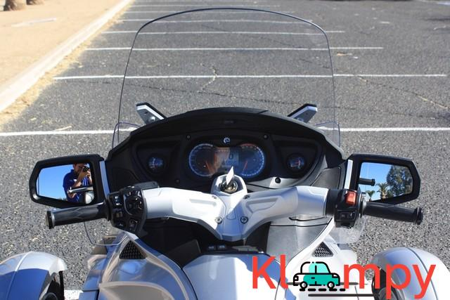 2010 Can-Am Spyder RT SM5 998cc 5 Speed - 7/12