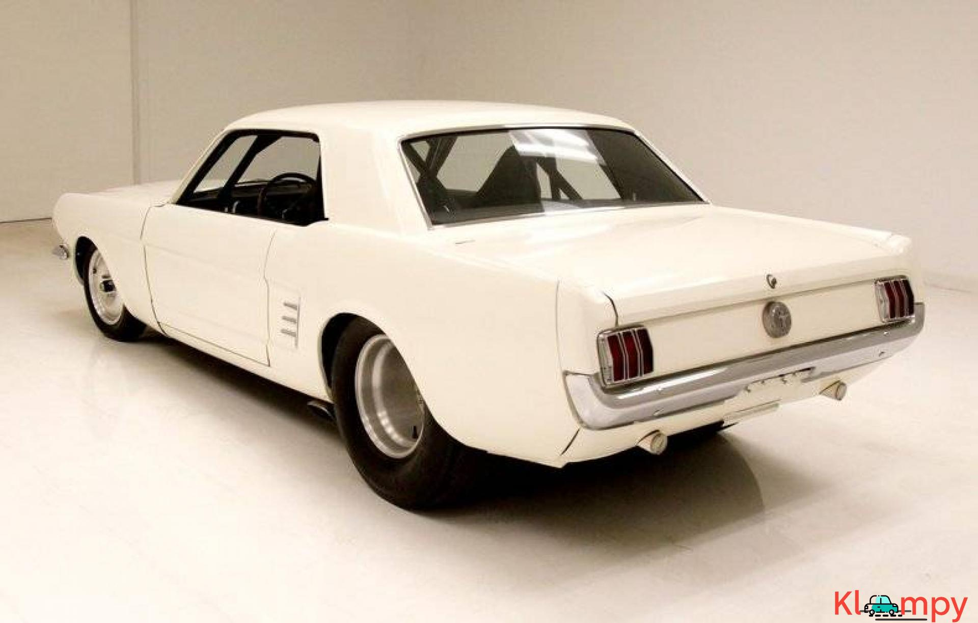 1966 Ford Mustang Coupe 302ci V8 White - 3/20