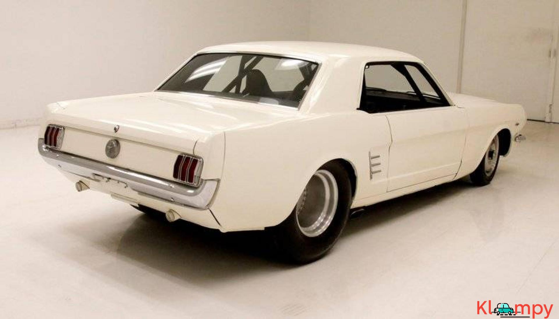 1966 Ford Mustang Coupe 302ci V8 White - 5/20