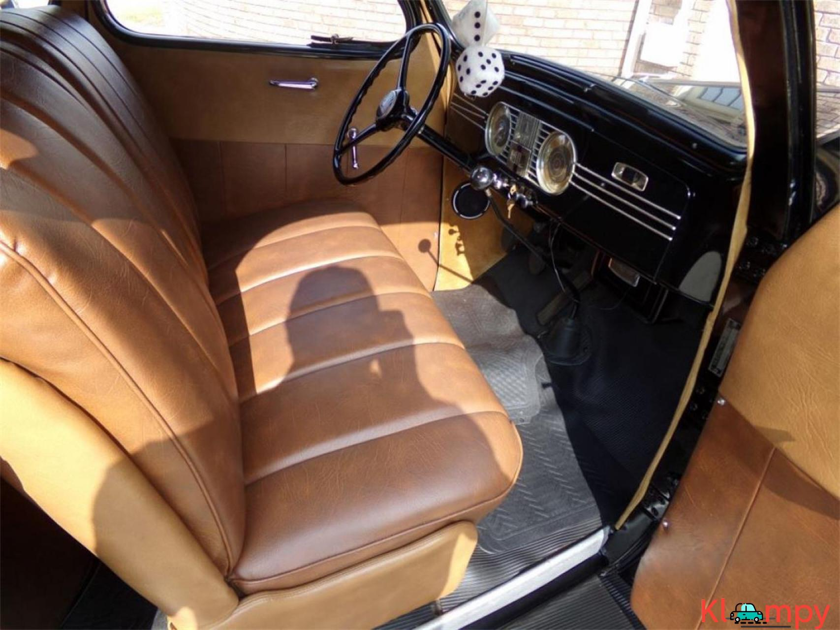 1938 Plymouth Business Coupe 201-cu.in - 14/18