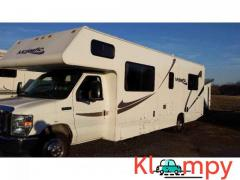 2011 Four Winds FOUR WINDS MAJESTIC 28A 6.8 L Ford V10