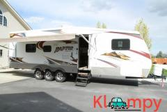 2009 Keystone raptor 3110 34 feet