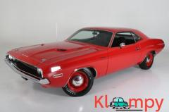1970 Dodge Challenger Hemi V8 Bright Red 426CI