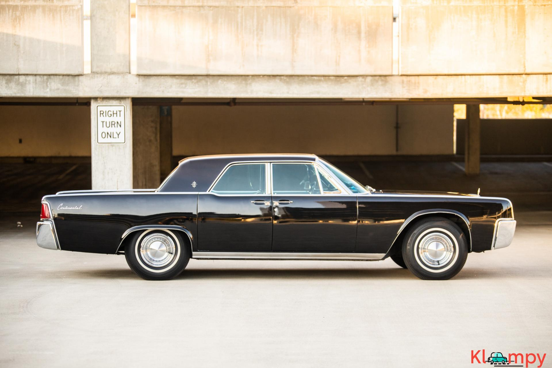 1962 Lincoln Continental Presidential Black - 13/19