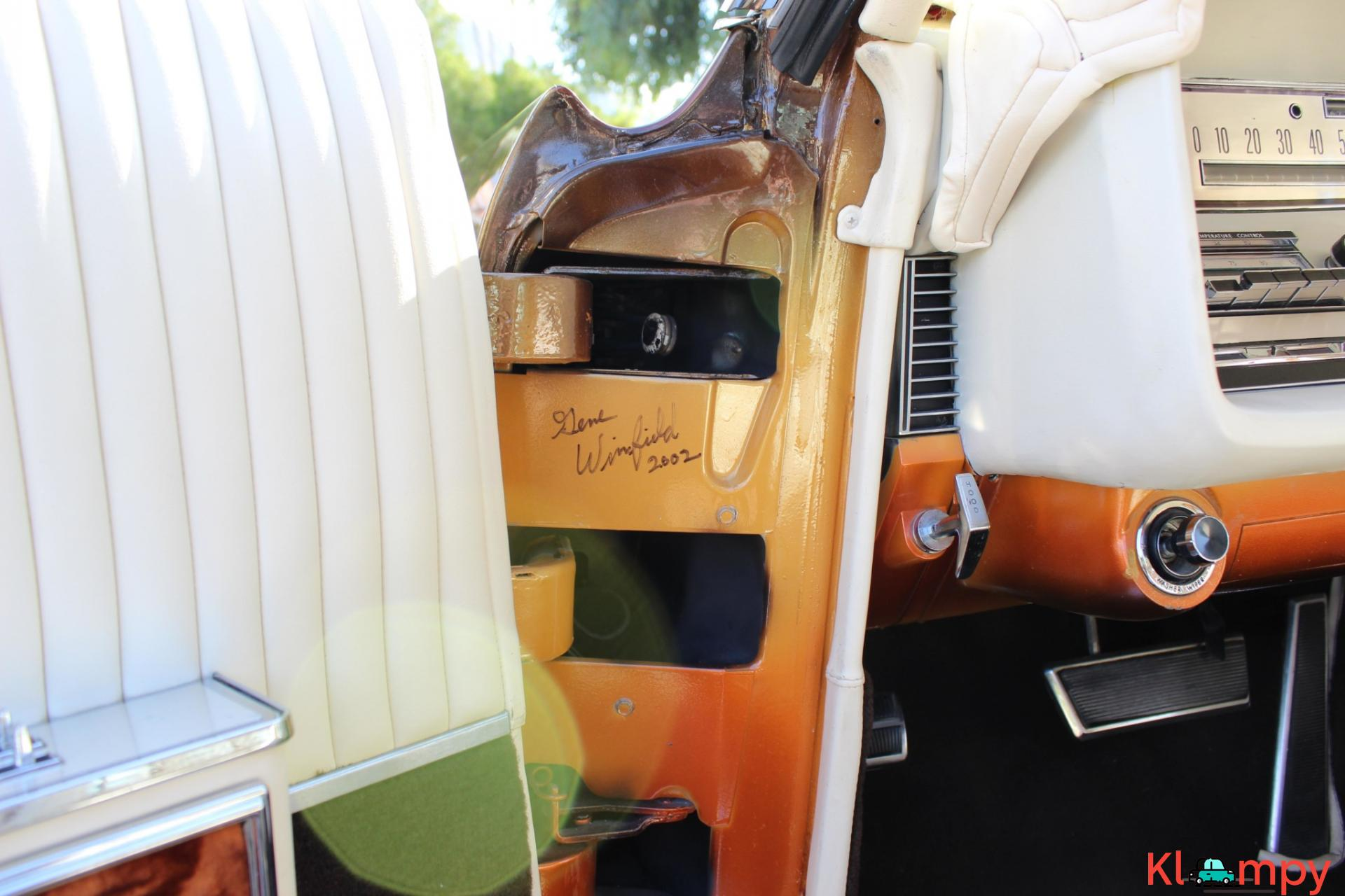 1967 Lincoln Continental Custom Two-Door Body - 14/15