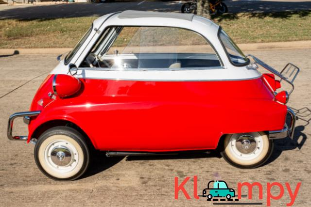 1958 BMW Isetta 300 Red - 3/14