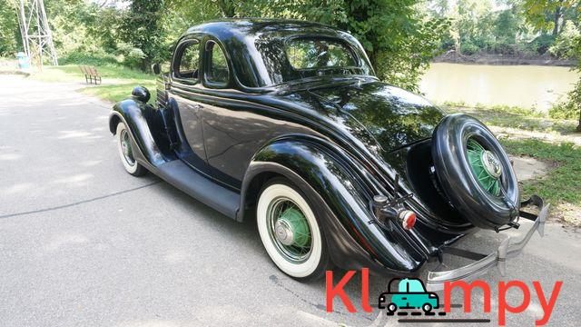1935 Ford 48 Coupe Rumble Seat - 3/13