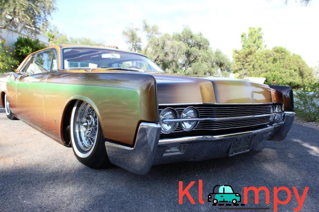 1967 Lincoln Continental Custom Two-Door Body - 2/15