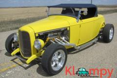 1932 Ford Roadster Hot Rod Chevy V8
