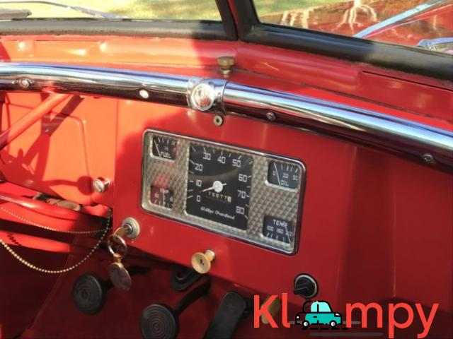 1949 Willys-Overland Jeepster Tunisian Red - 5/12