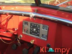1949 Willys-Overland Jeepster Tunisian Red - Image 5/12